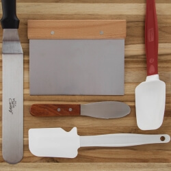Category Scrapers Spatulas and Spreaders Image
